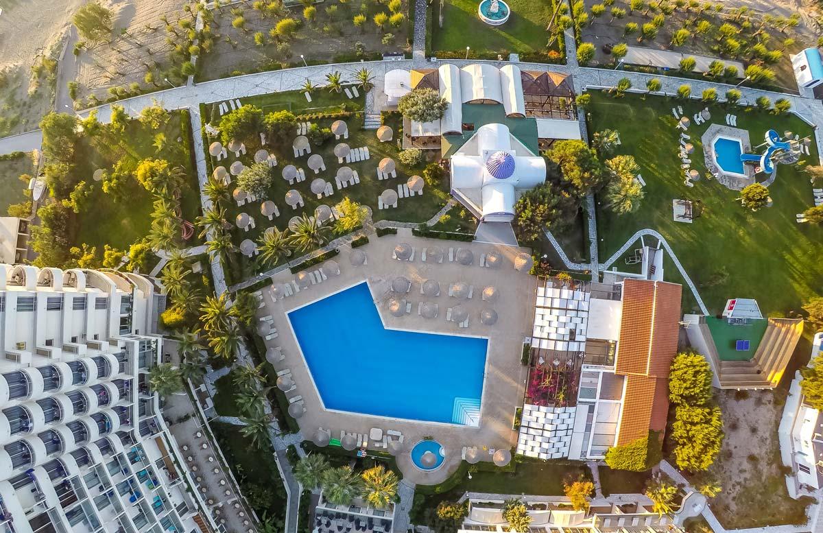 Pegasos Deluxe Beach Hotel - Exterior