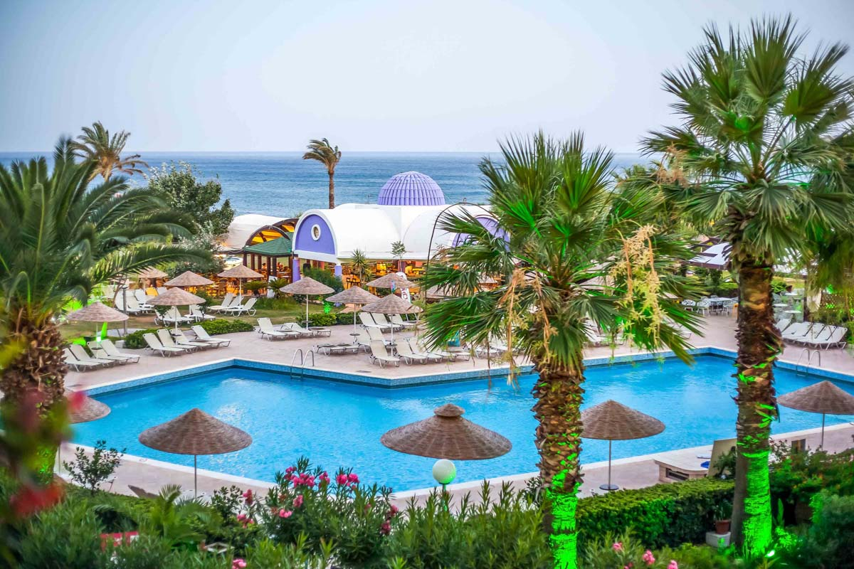 Pegasos Deluxe Beach Hotel - Pool